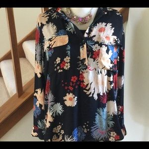 ANN TAYLOR FACTORY FLORAL TOP🌸🌸💐🌺LIKE NEW🌸